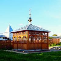 Никитский монастырь. Колодец.