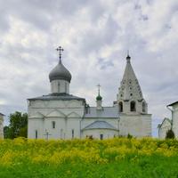 Собор Троицы Живоначальной с церковью Даниила.