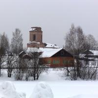 Вид на Троицкую церковь от пруда