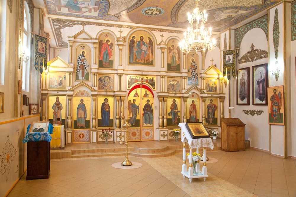 храм александра невского богослужения