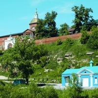 Вид на Знаменский мононастырь со стороны святого источника.