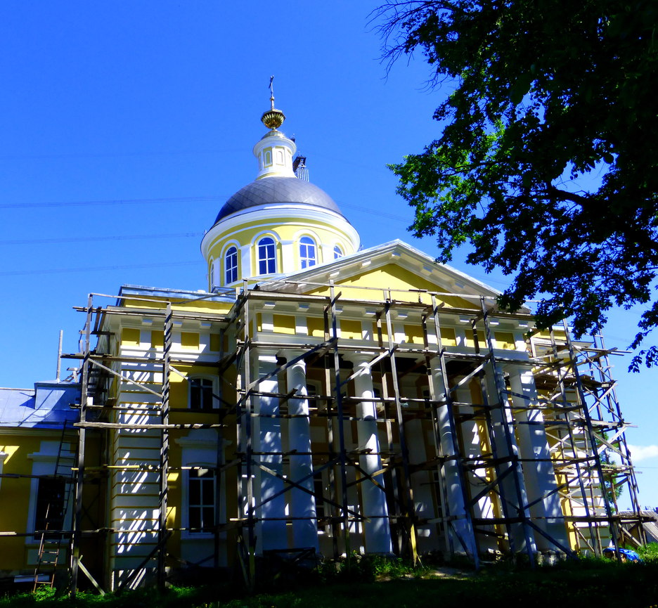 белая церковь видео